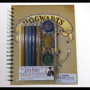NEW Harry Potter Hogwarts Sketchbook